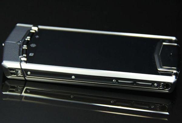 Vertu Ti Titanium Black Leather